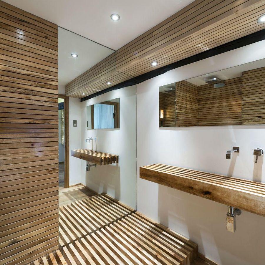 Большая ванная с вагонкой