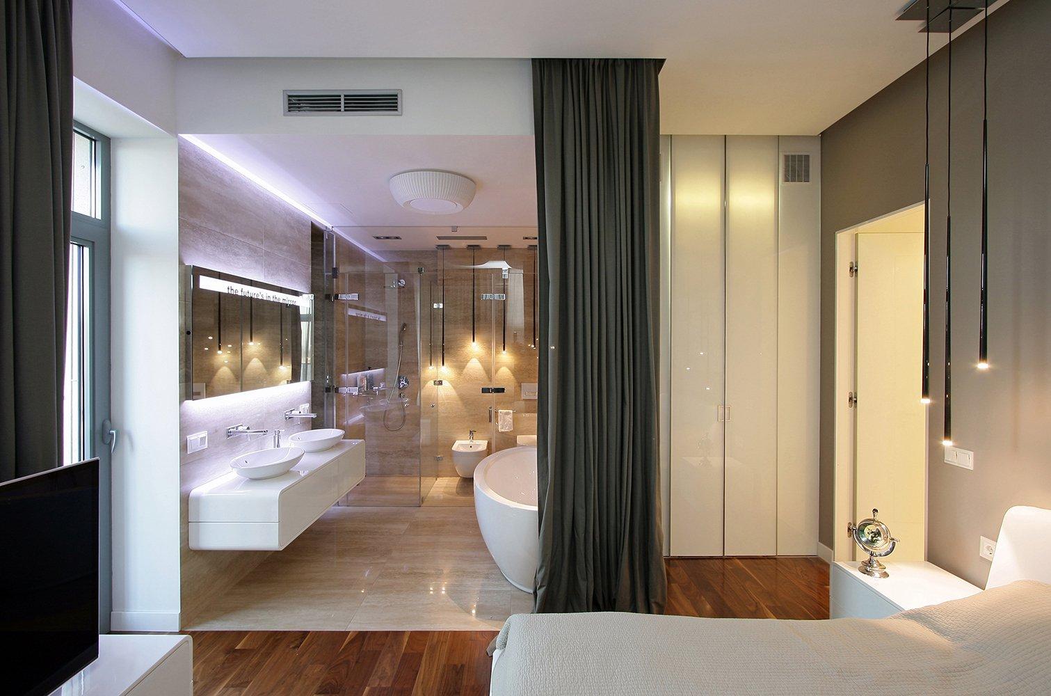 Зонирование шторами в ванной комнате