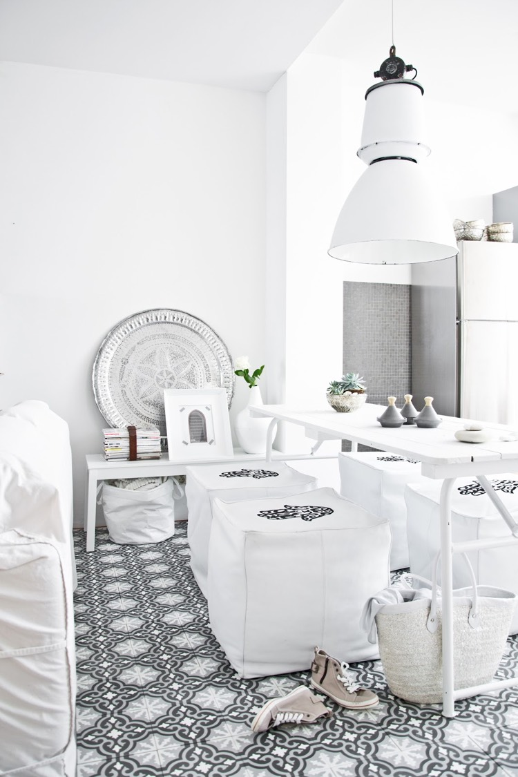 Белый интерьер в восточном стиле