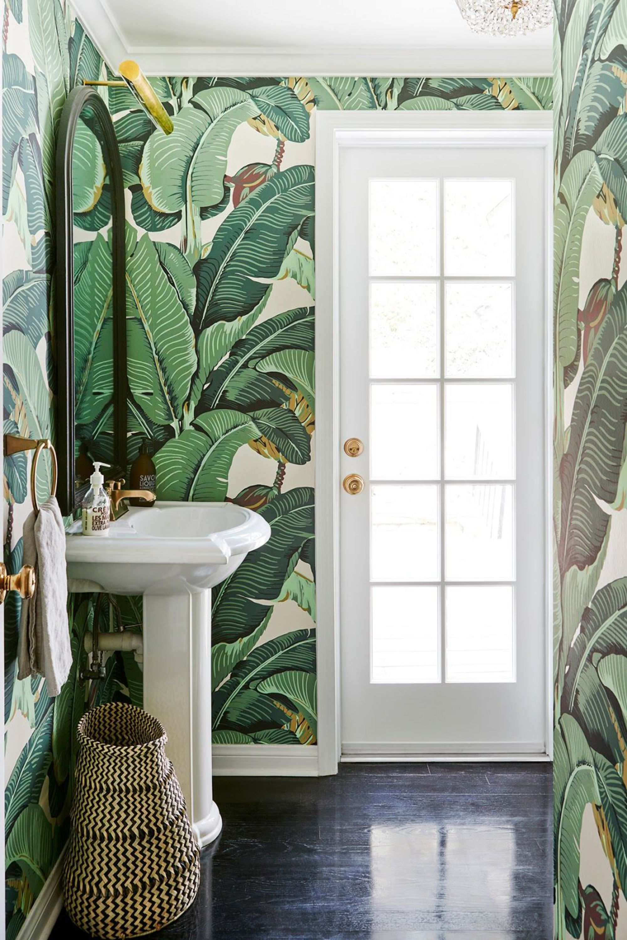 Обои в туалете зеленые