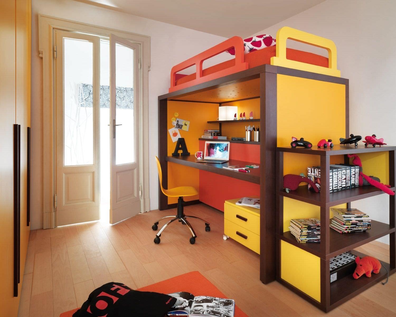 Кровать чердак желтая