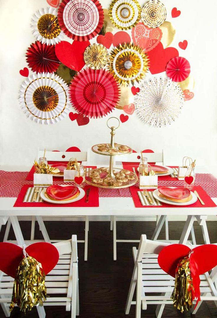 Декор золотой на день святого валентина