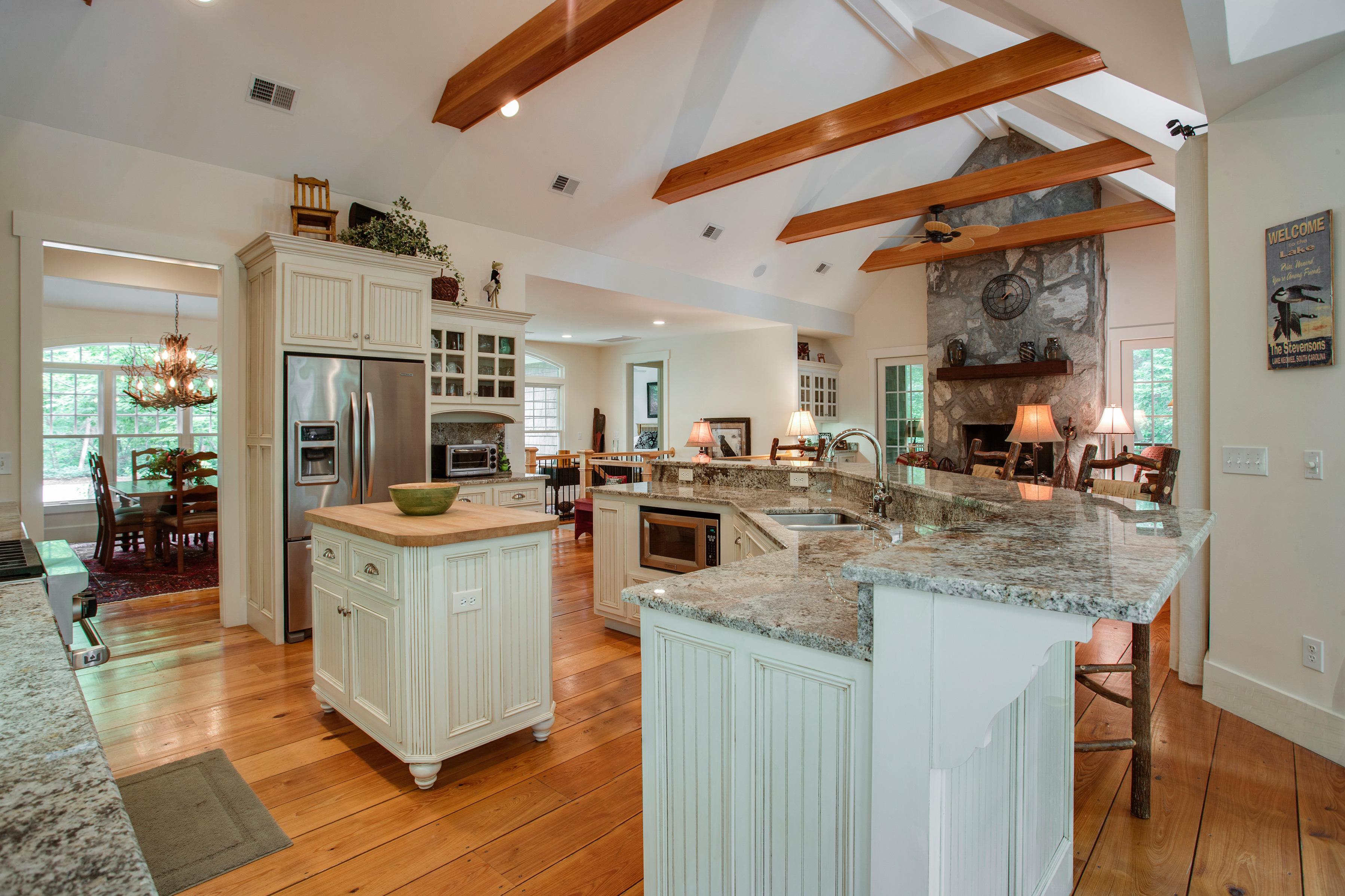 Дизайн кухни гостиной американской