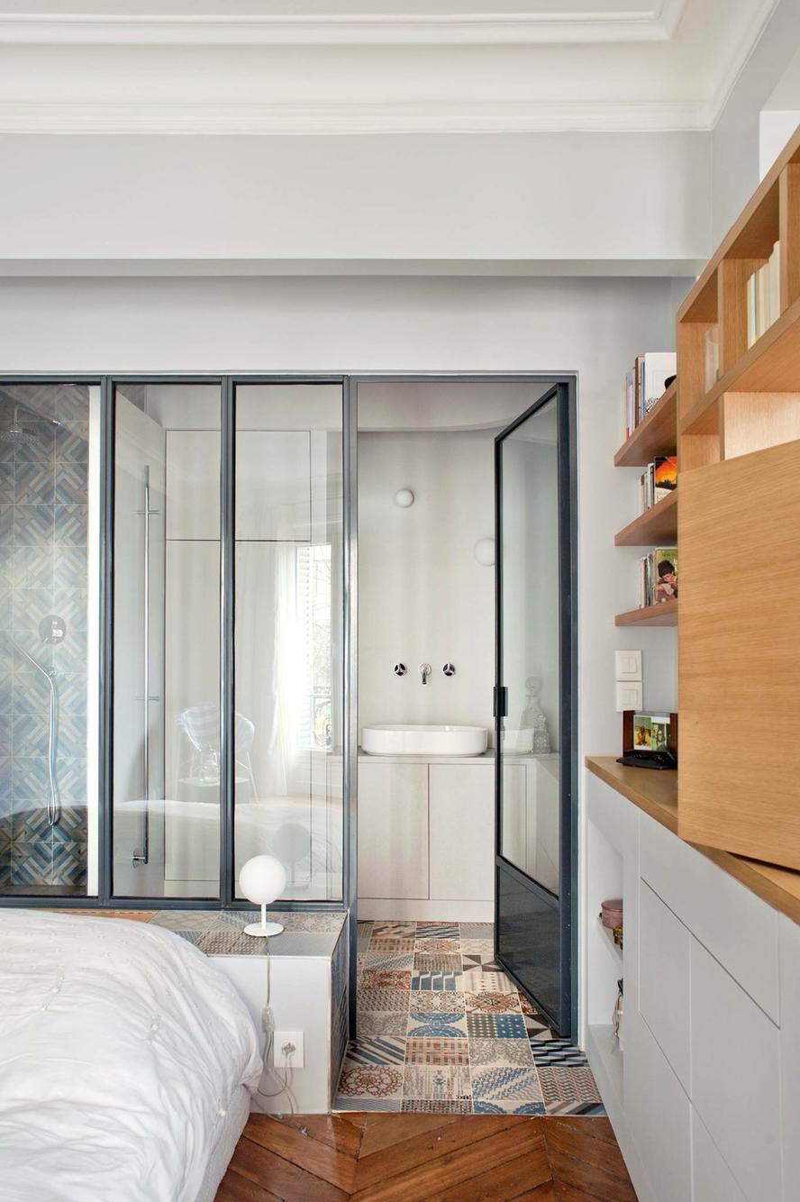 Межкомнатная перегородка между спальней и ванной