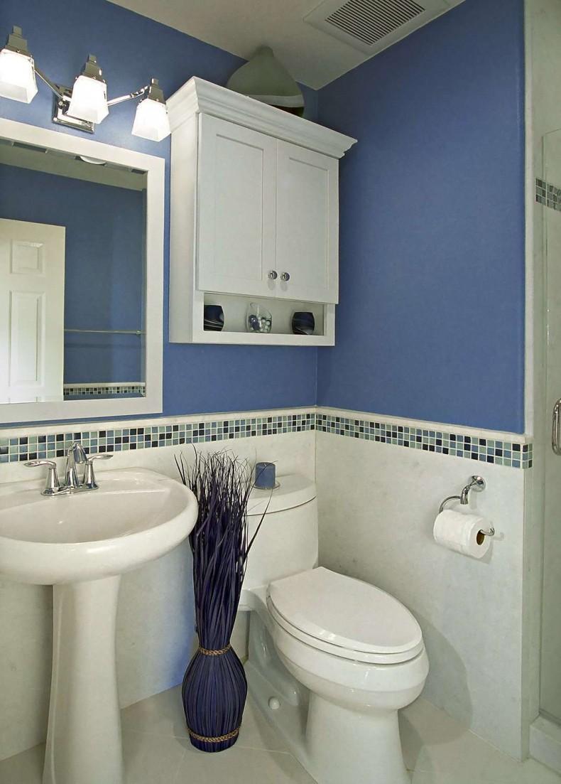 Ремонт туалета панелями с бордюром