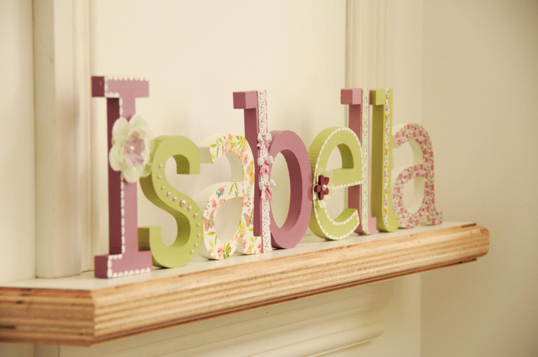 Декор детской деревянными буквами