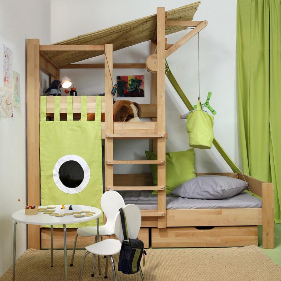 Планировка детской с кроватью чердаком