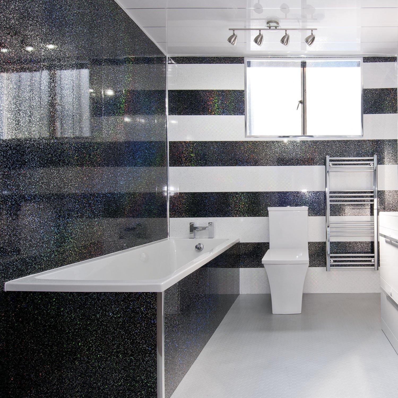 Ремонт туалета панелями черно-белыми