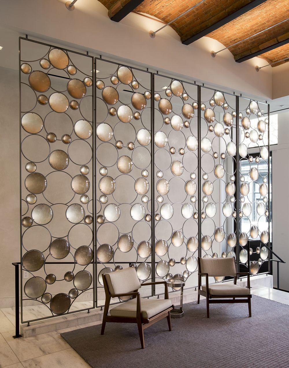Идеи зонирования декоративной перегородкой