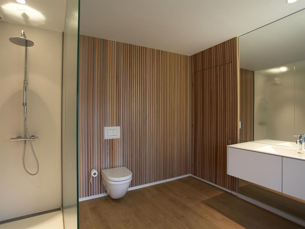Ремонт туалета панелями деревянными
