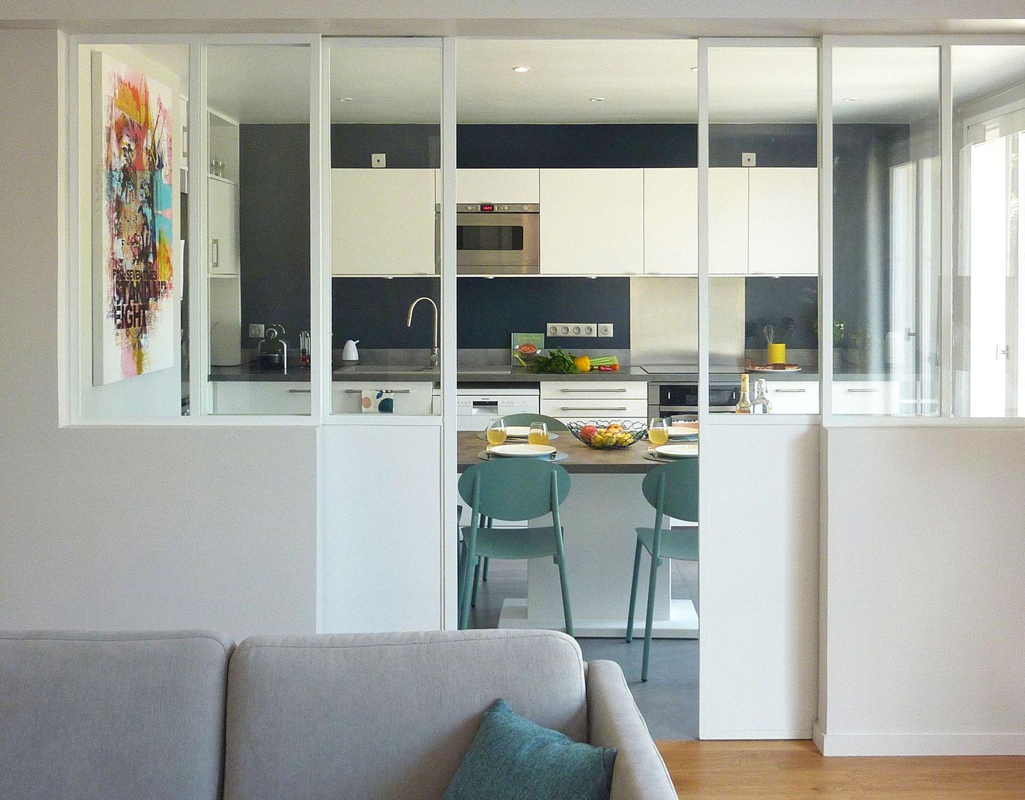 Дизайн кухни гостиной с дверями