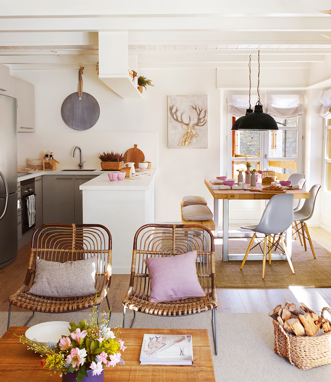 Дизайн кухни гостиной в эклектичном стиле