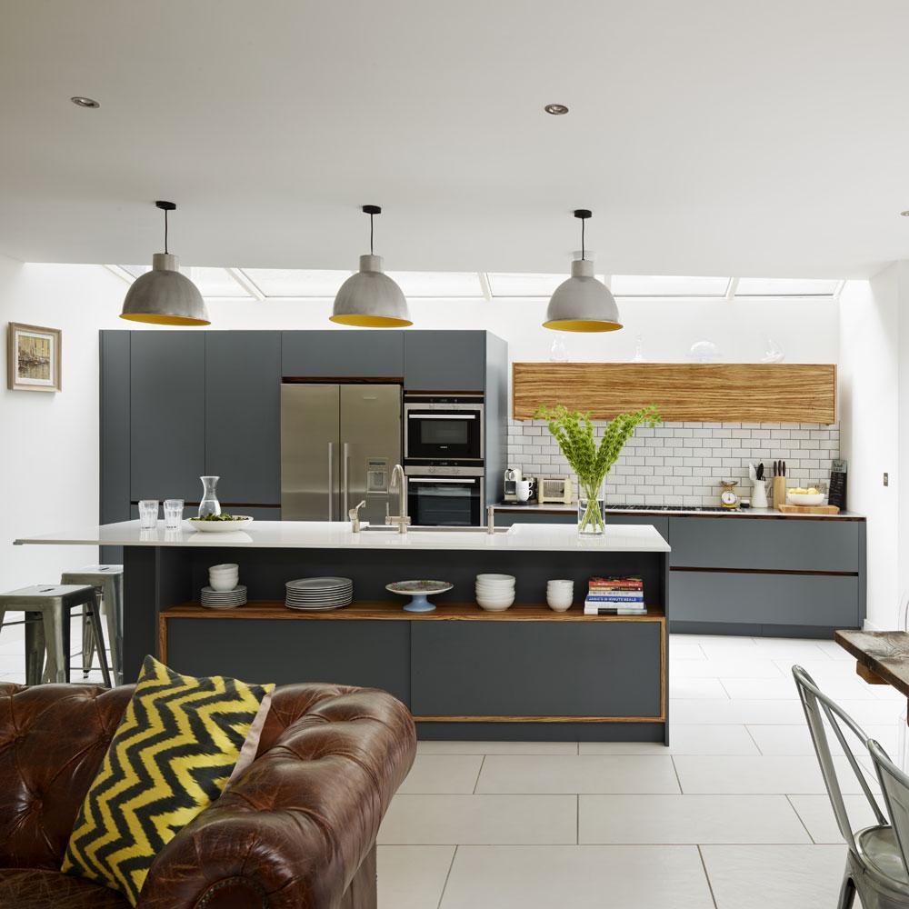 Дизайн кухни гостиной с гарнитуром