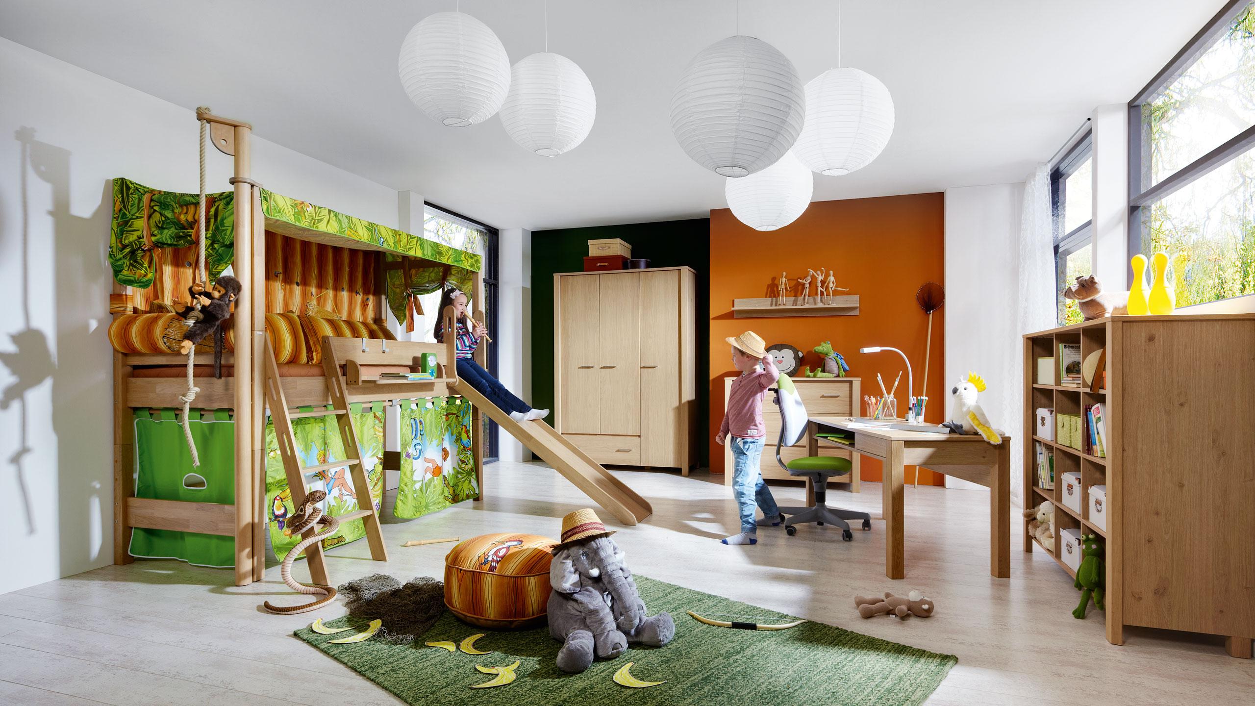 Планировка детской с кроватью горкой
