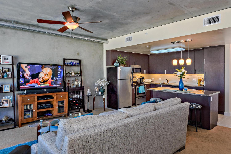 Дизайн кухни гостиной для холостяка