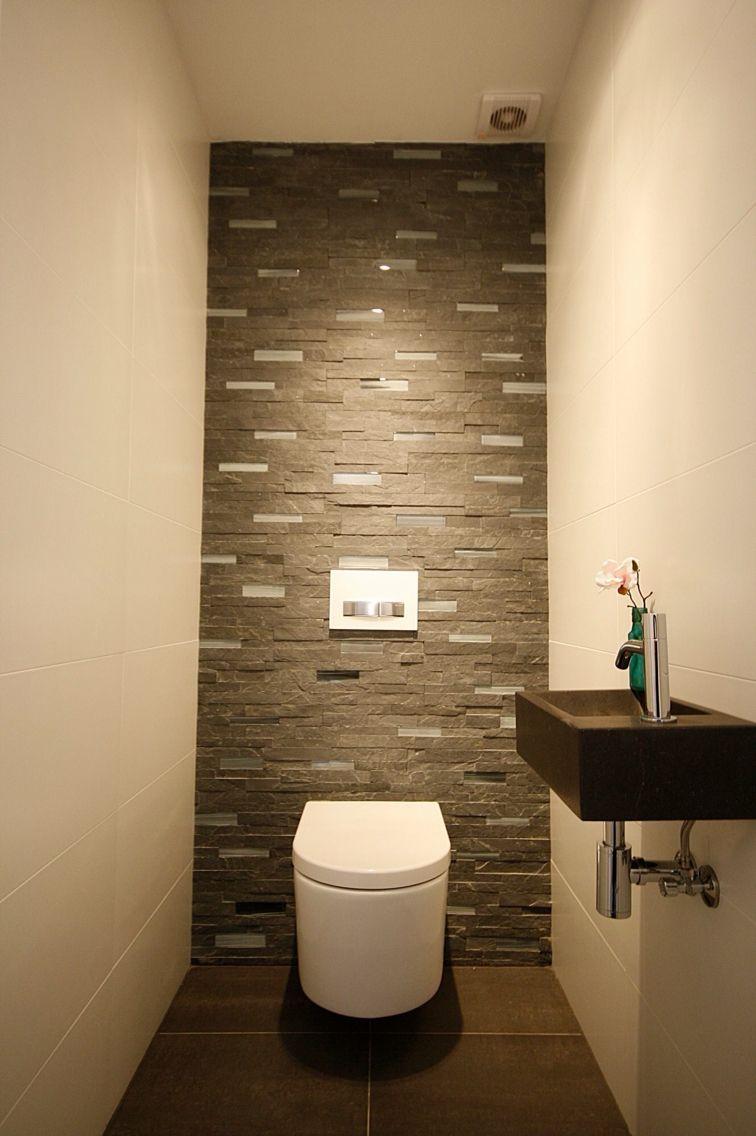 Ремонт туалета панелями под камень