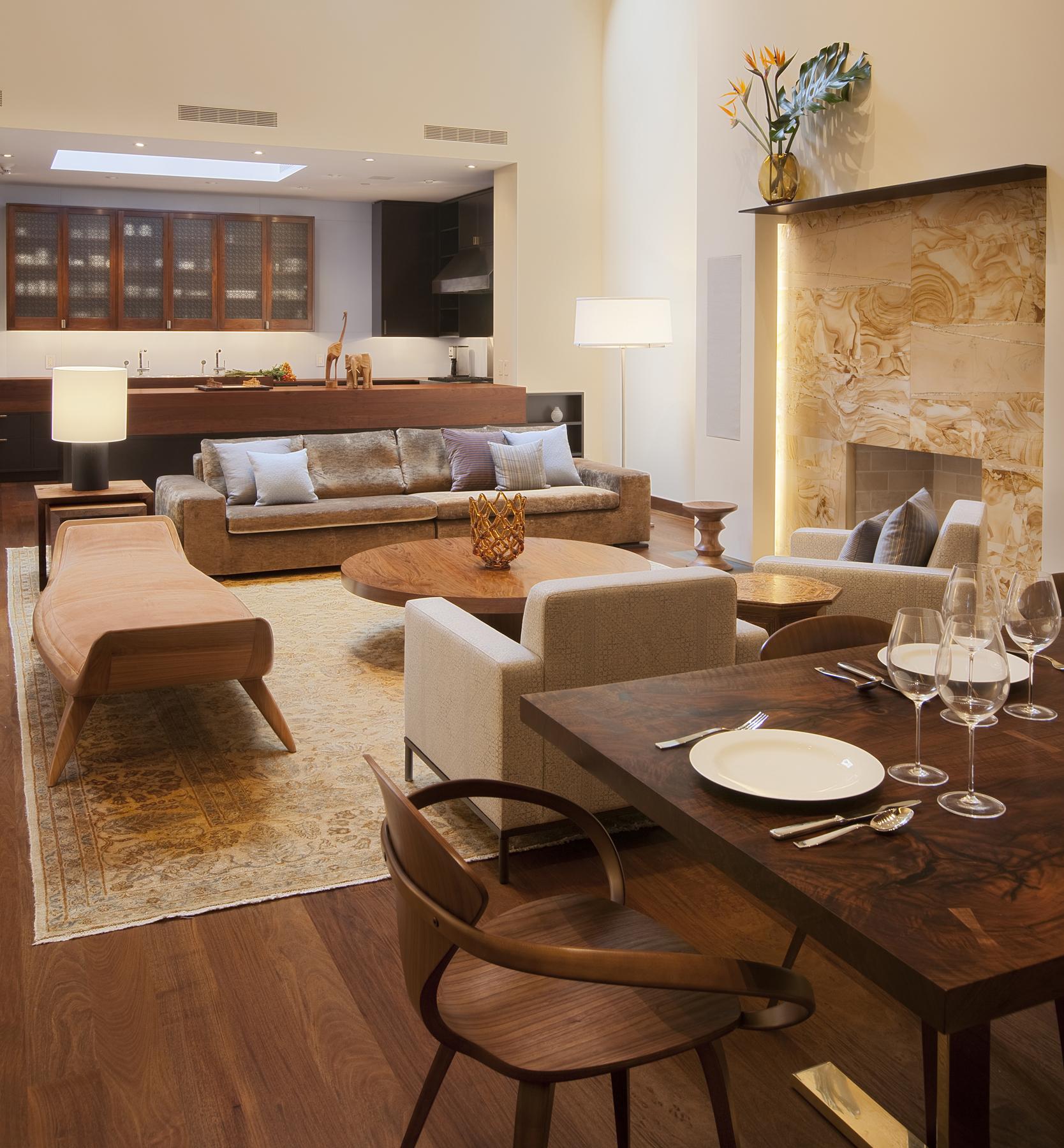 Дизайн кухни гостиной с камином