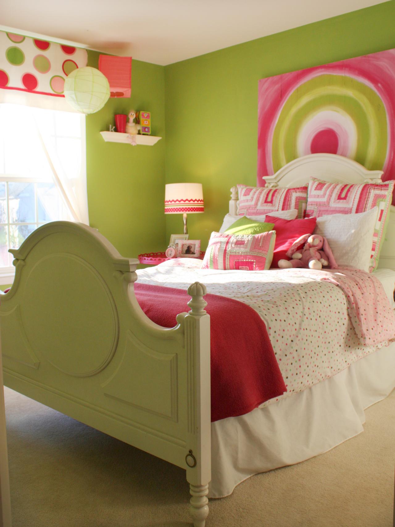 Декор детской комнаты картиной