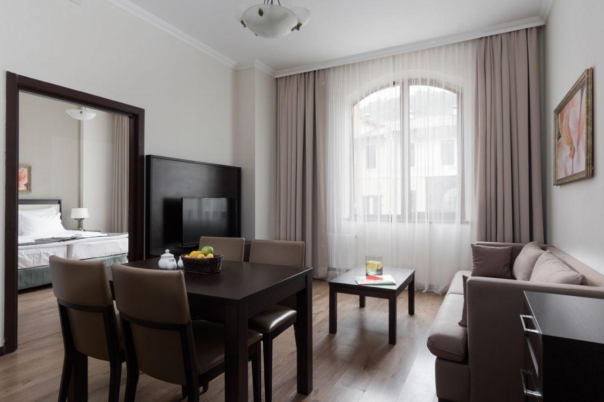 Однокомнатная квартира 40 кв м коричневая
