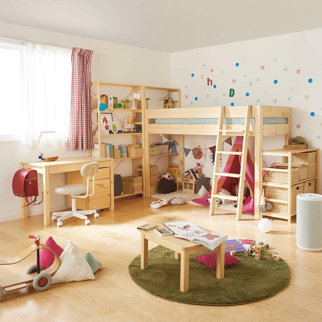 Декор детской комнаты из массива