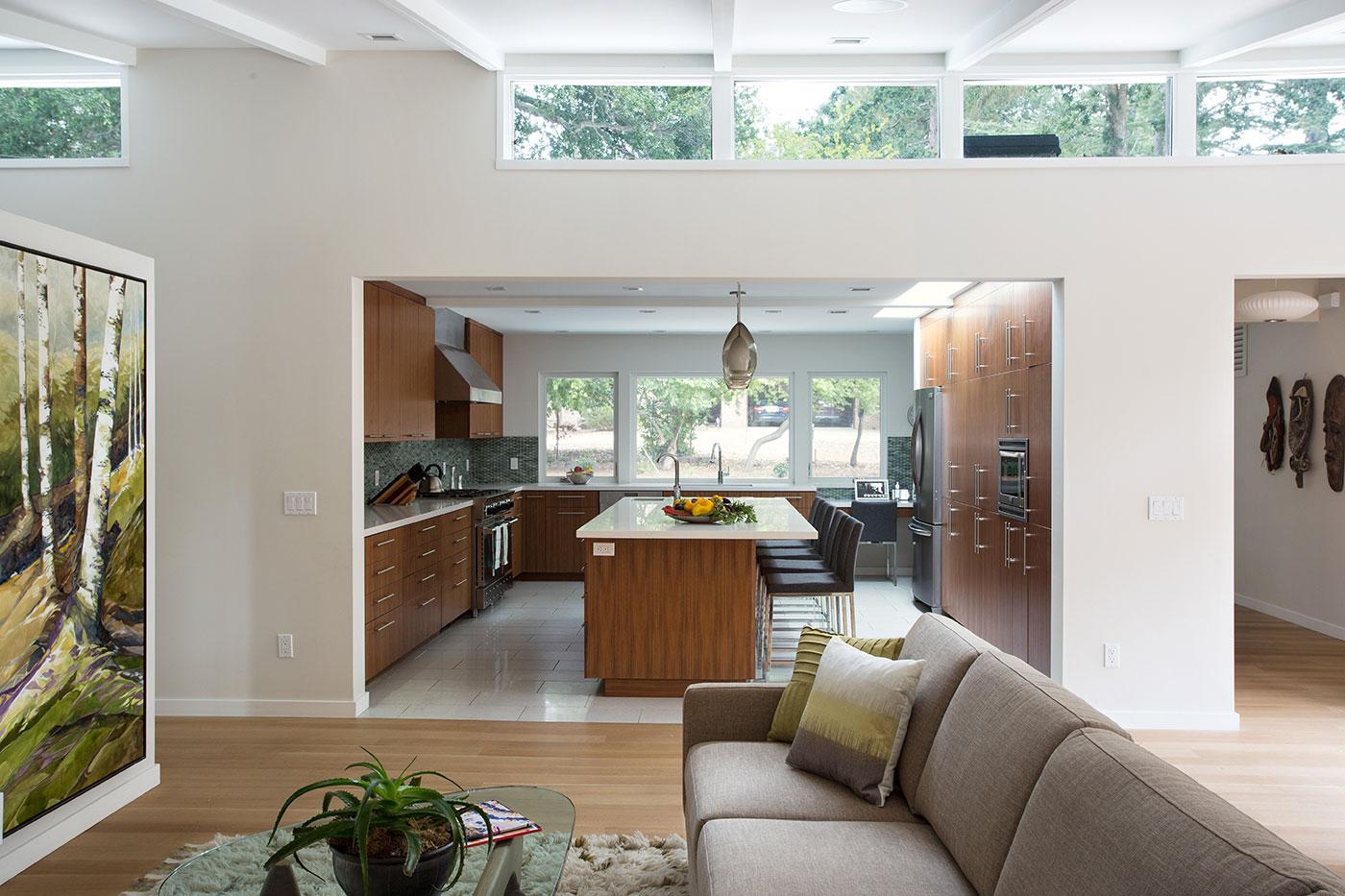 Дизайн кухни гостиной с нишей