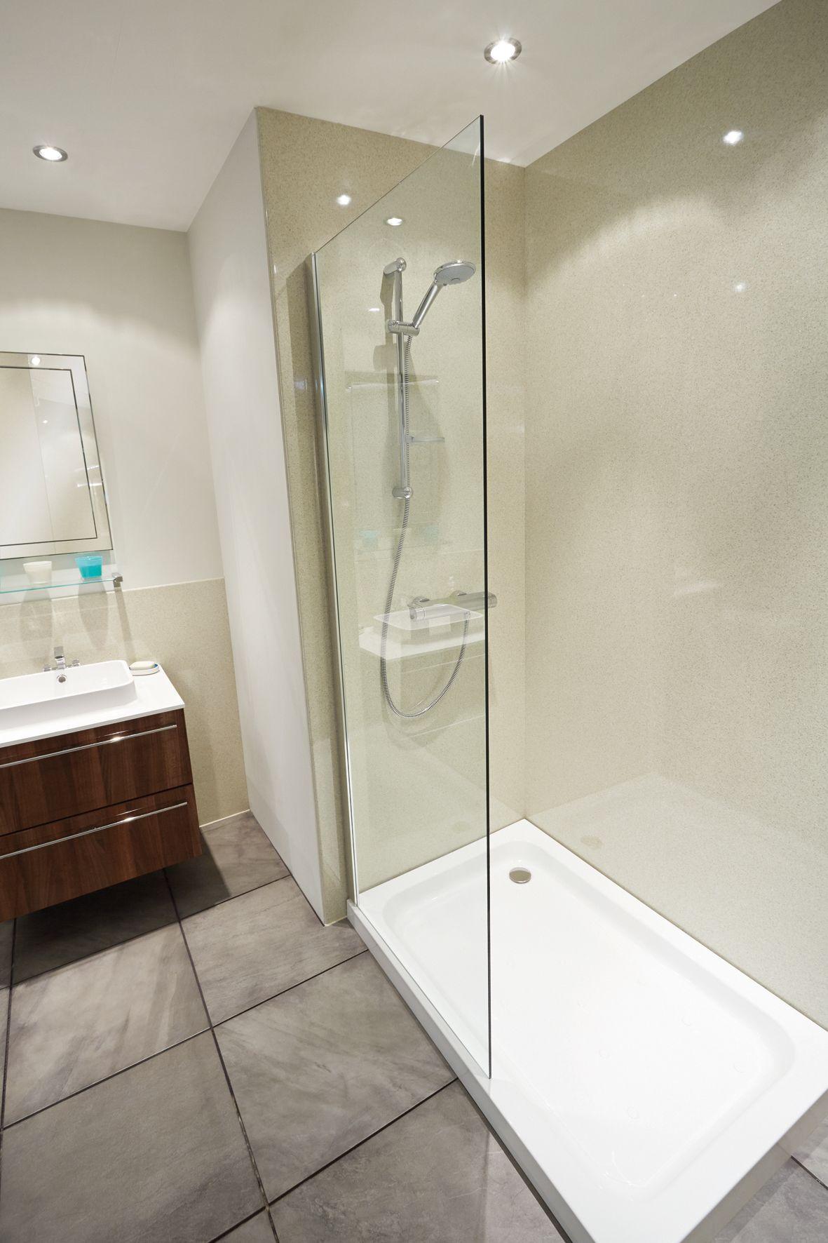 Ремонт туалета панелями однотонными