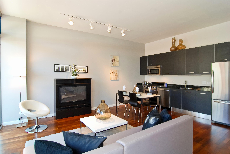 Дизайн кухни гостиной освещение