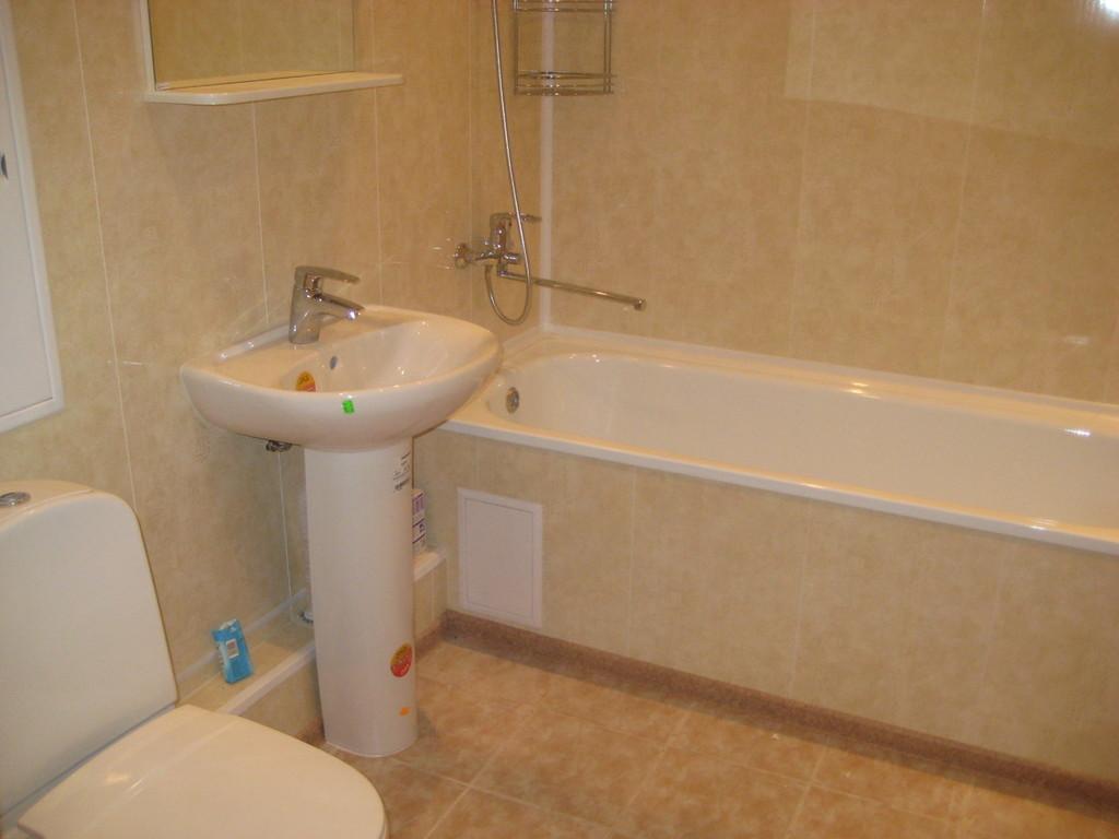 Ремонт туалета панелями песочными