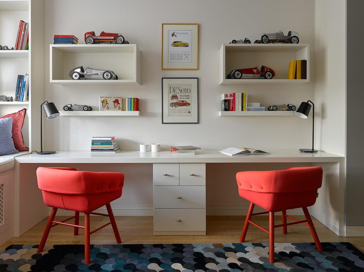 Детская для двоих детей с письменным столом