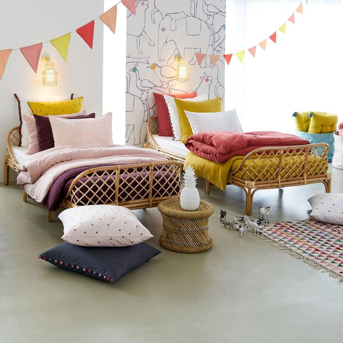 Детская для двоих детей с плетеной мебелью