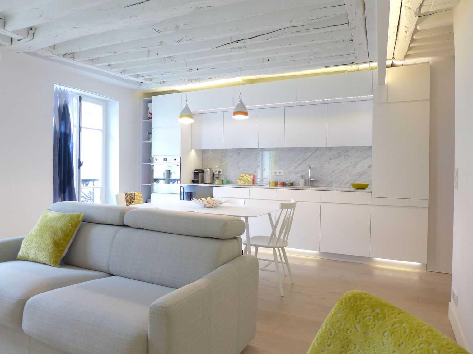 Дизайн кухни гостиной с подсветкой