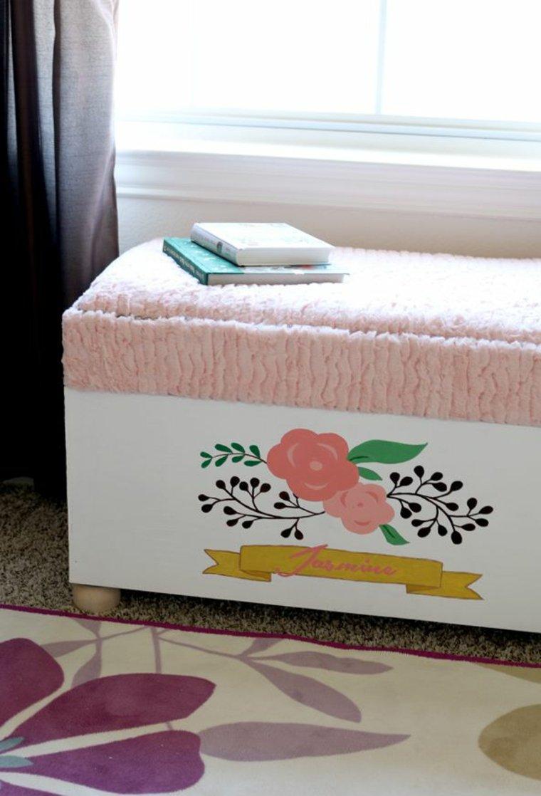 Декор пуфика детской комнаты