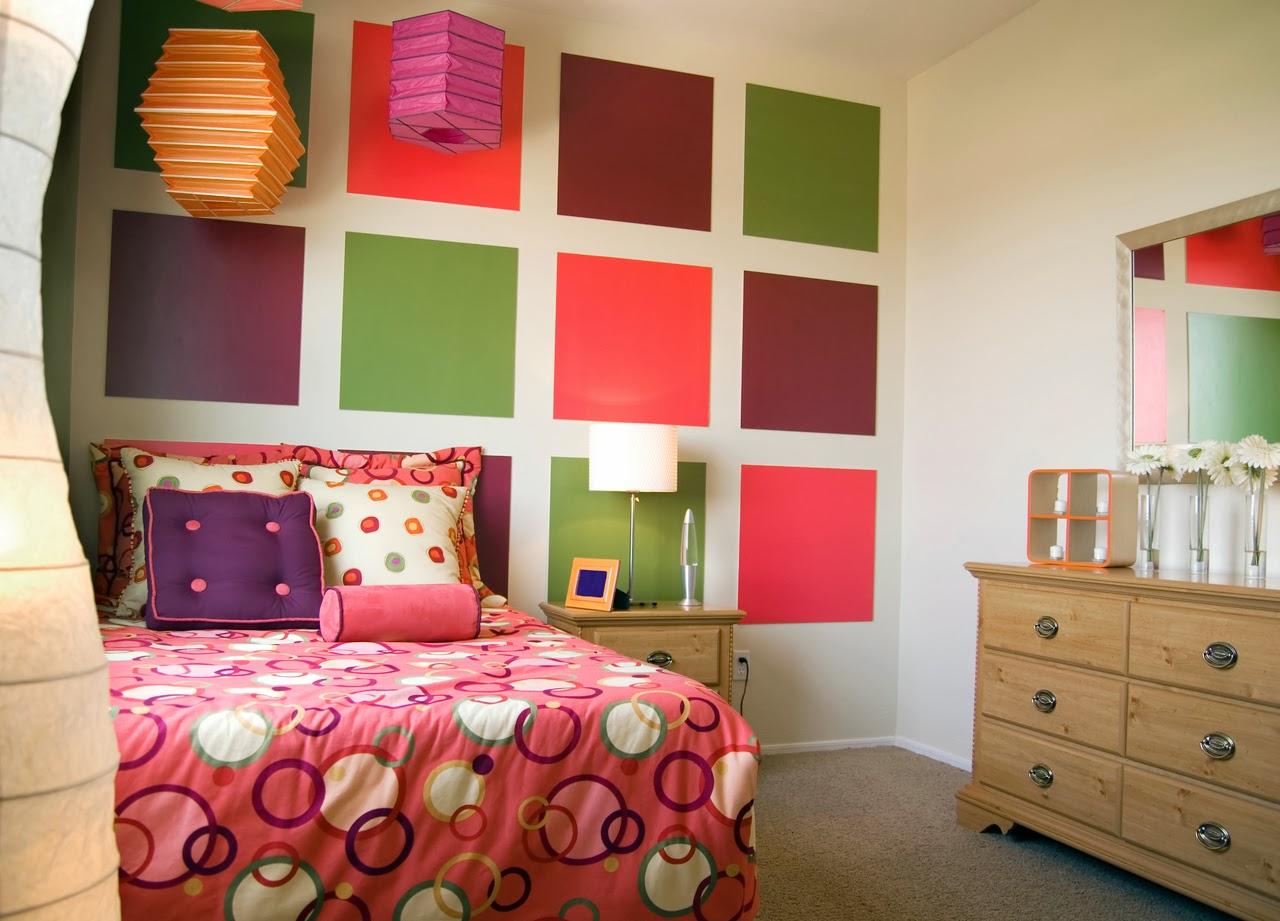 Декор детской комнаты разноцветный