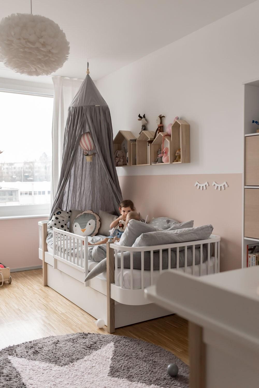 Планировка детской комнаты ретро