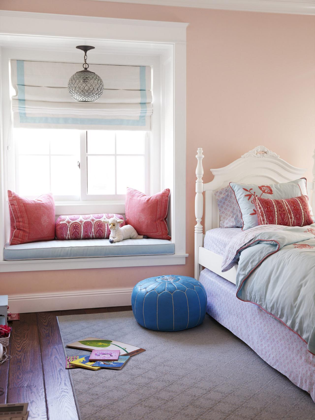 Декор детской комнаты розовый