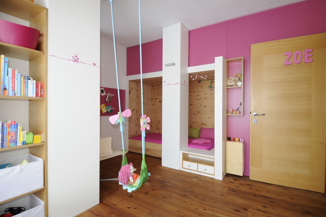 Планировка детской комнаты розовой