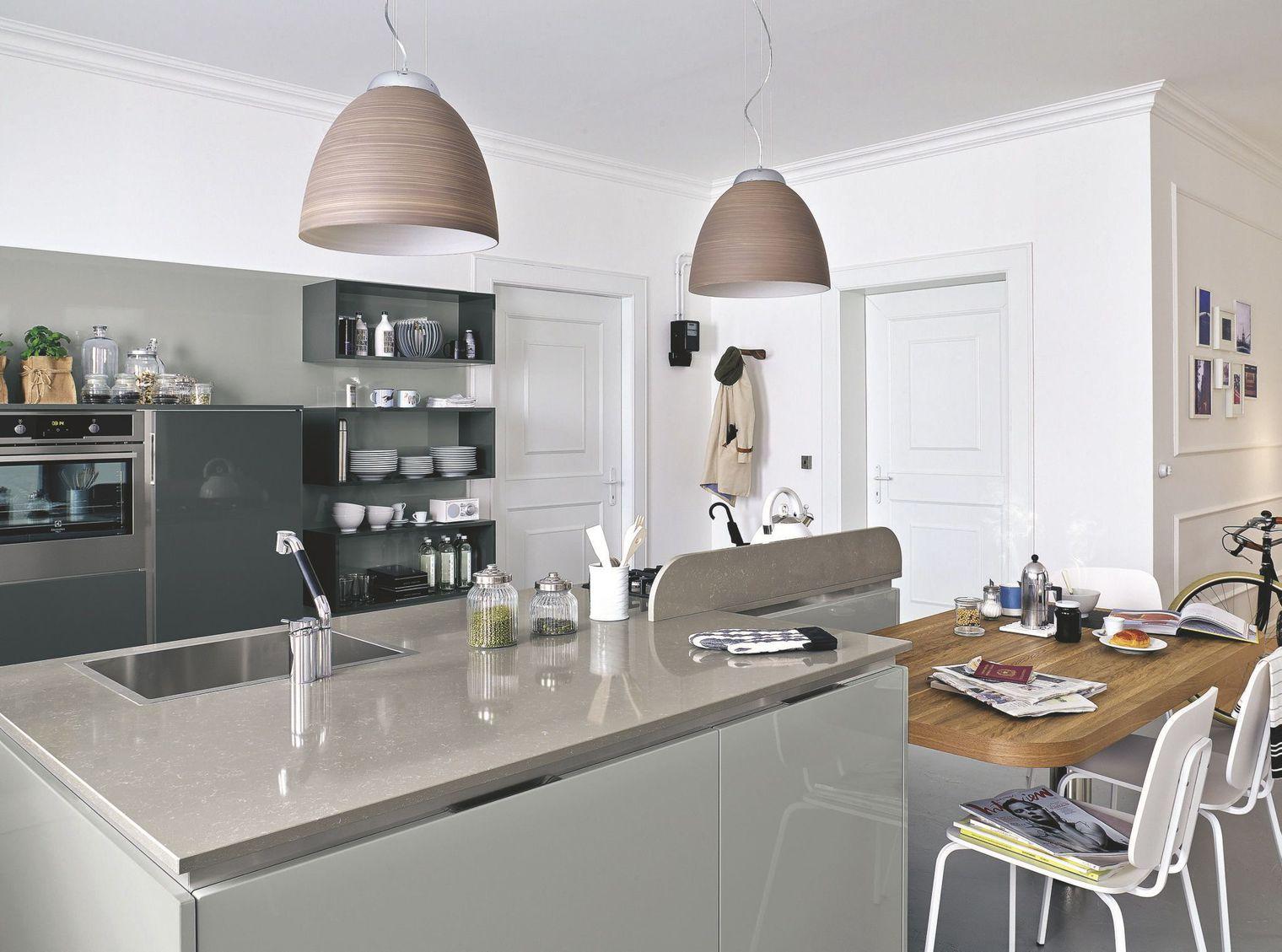 Дизайн кухни гостиной серый
