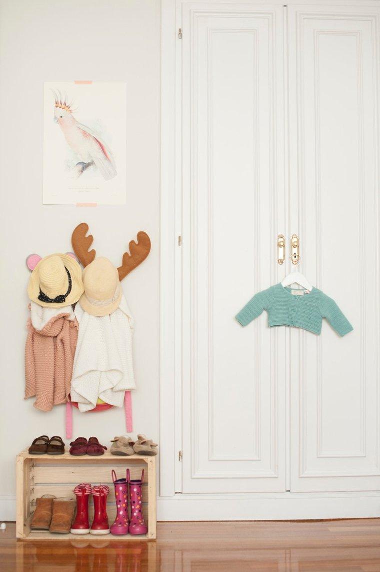 Декор детской комнаты со шкафом