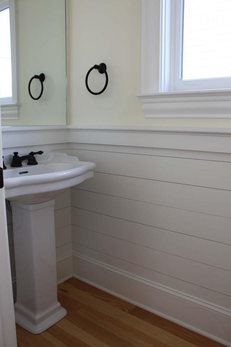 Ремонт туалета панелями снизу