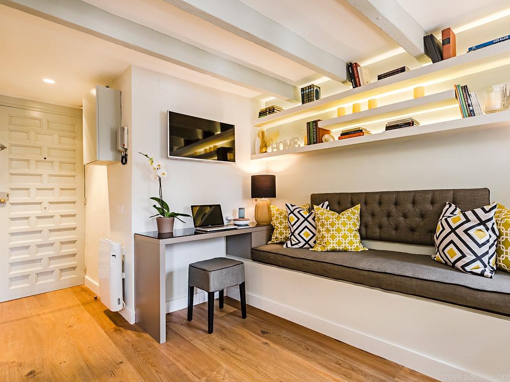Однокомнатная квартира 40 кв м софа