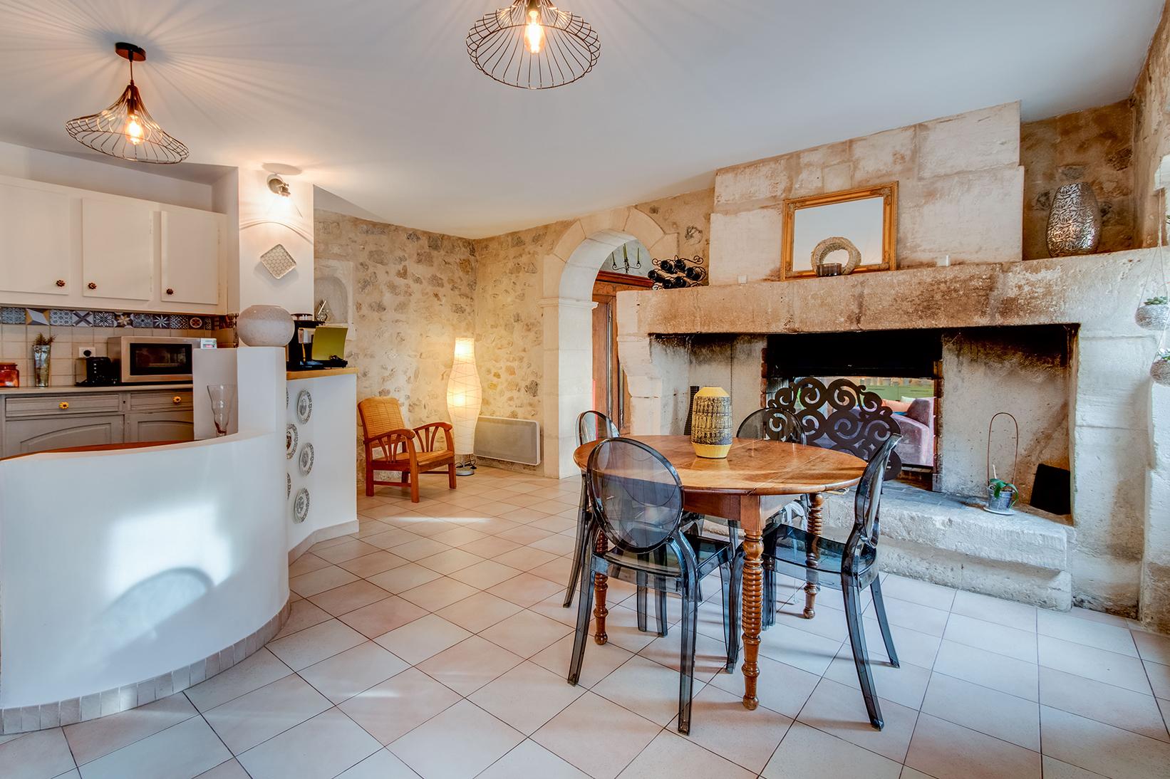 Дизайн кухни гостиной средиземноморский