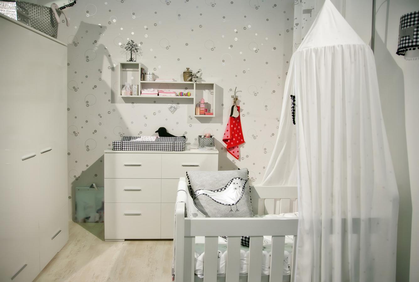 Декор детской комнаты светлой
