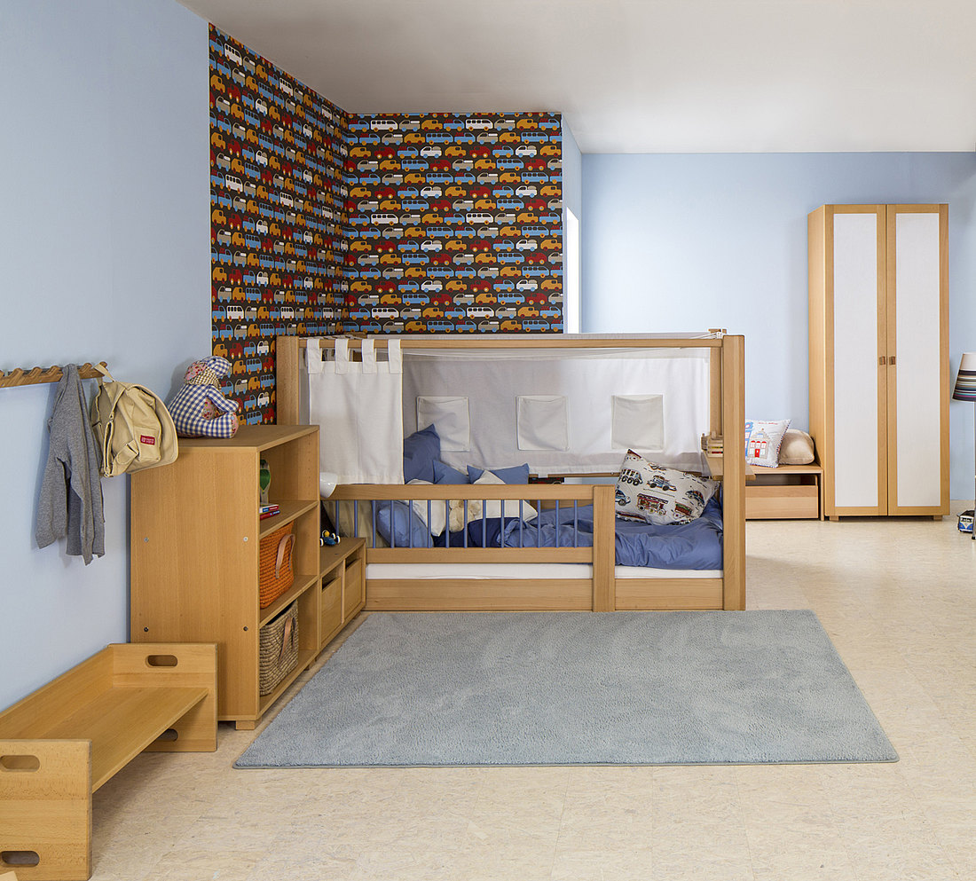 Планировка детской комнаты угловой