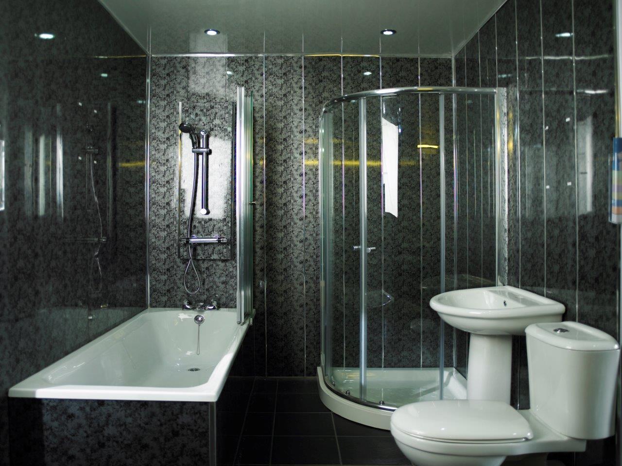 Ремонт туалета панелями с узором