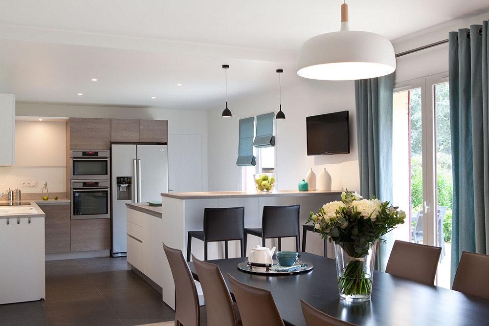 Дизайн кухни гостиной венге
