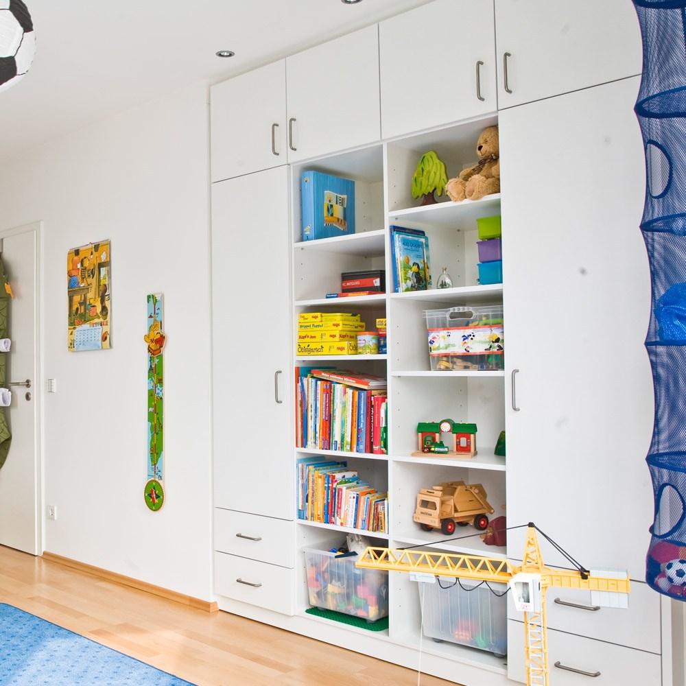 Планировка детской комнаты со встроенным шкафом