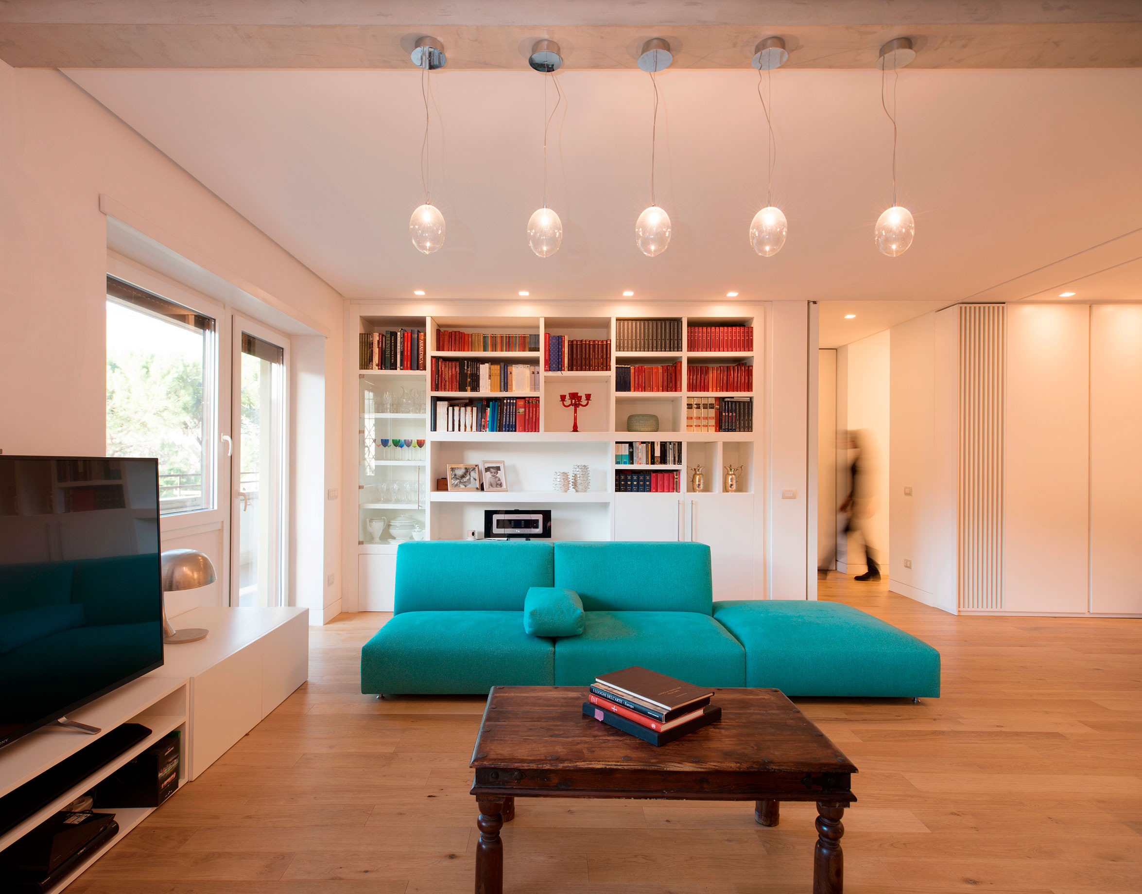 Однокомнатная квартира 40 кв м со встроенной мебелью