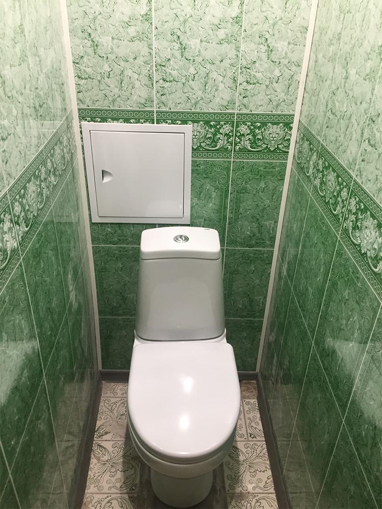 Ремонт туалета панелями зелеными под мрамор