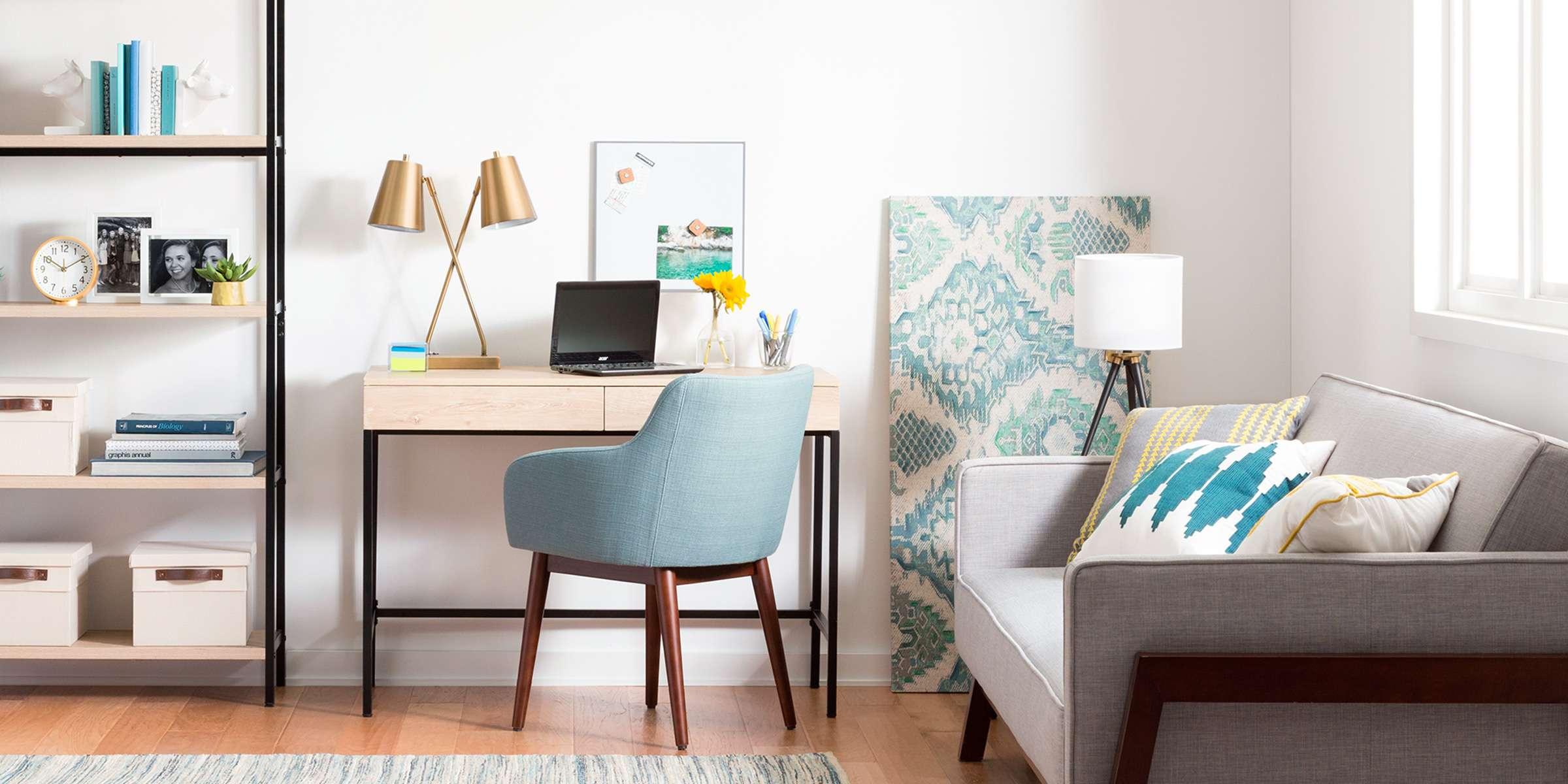 Рабочее место дома с креслом