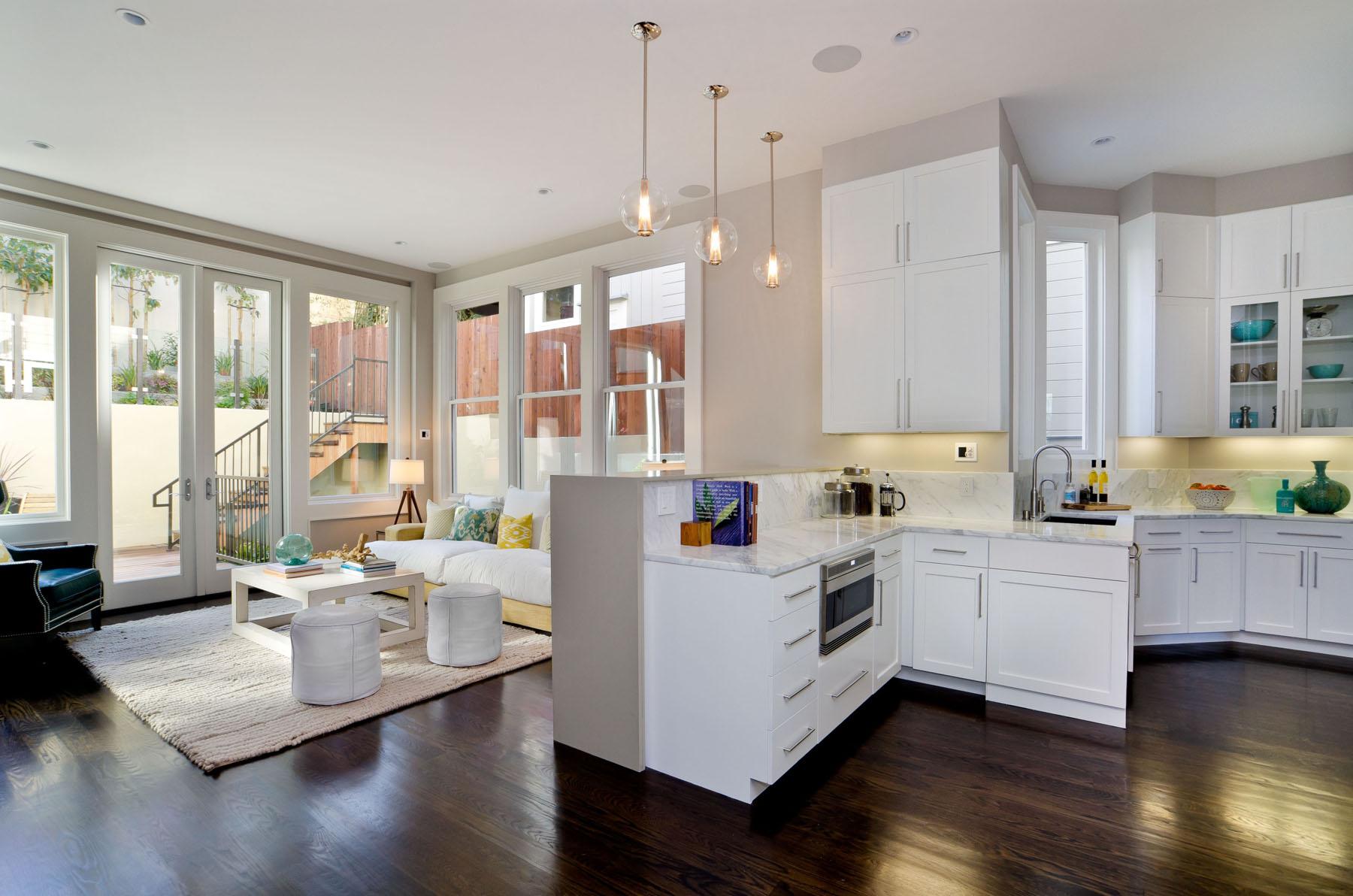 Перепланировка кухни просторной